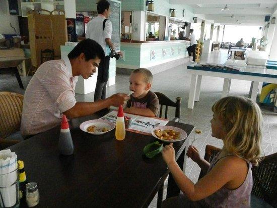 Dolphin Bay Resort: Kidz minded staff