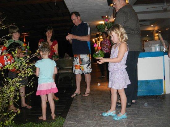 Dolphin Bay Resort: Party