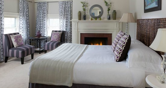 Portland Maine Boutique Hotel Guestroom Longfellow Square At The Danforth