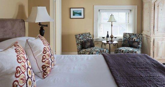Portland Maine Boutique Hotel Guestroom Deering Oaks At The Danforth