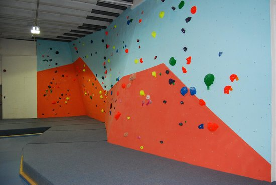 The Climbing Station: the wave