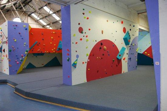 The Climbing Station: fan wall