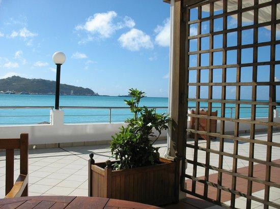 Sonesta Great Bay Beach Resort, Casino & Spa: View from patio of apt # 152
