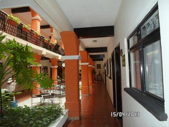 Hotel Del Carmen: pasillo de las habitaciones