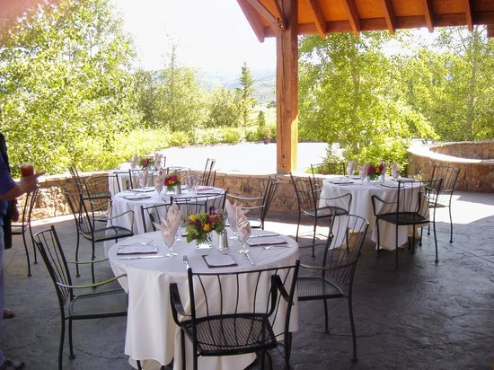 Headwaters Grille : Beautiful Morning for Brunch on the Patio