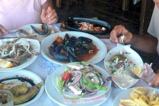 Arsenis Taverna: Feast for the eyes and our stomach