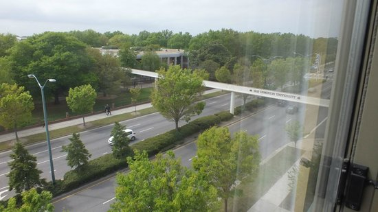 SpringHill Suites Norfolk Old Dominion University : View of ODU