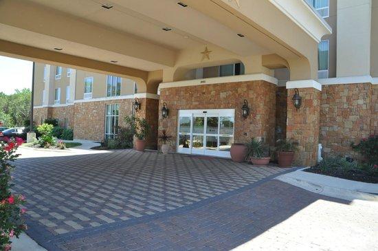 Hampton Inn and Suites Boerne: Lobby Entrance