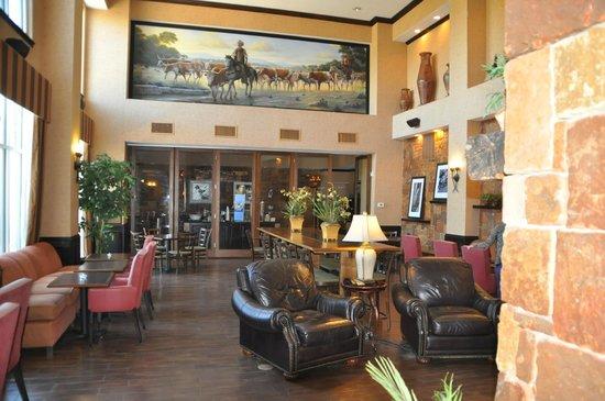 Hampton Inn and Suites Boerne : Entering Breakfast Area