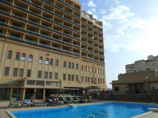 Mercure Grand Hotel Doha: hôtel côté piscine