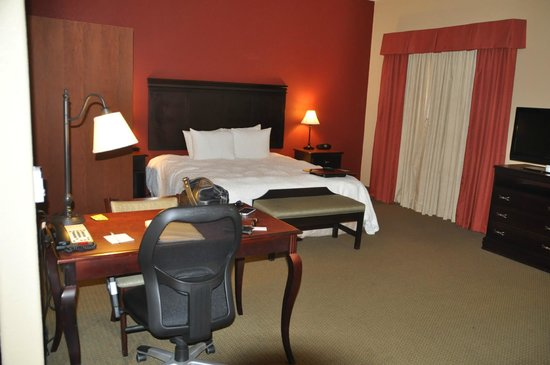 Hampton Inn and Suites Boerne : Bedroom