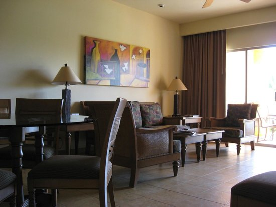 The Royal Haciendas All Suites Resort & Spa: Comfy large rooms