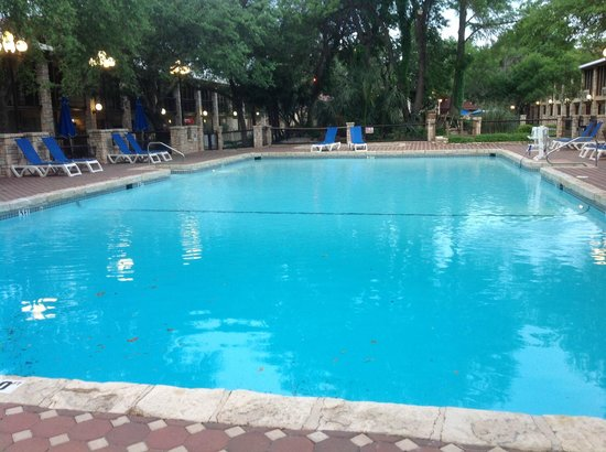 Inn of the Hills Hotel & Conference Center: Pool at Inn of the Hills, Kerrville, TX