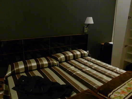 Hostal Bcn 46: Carina e confortevole