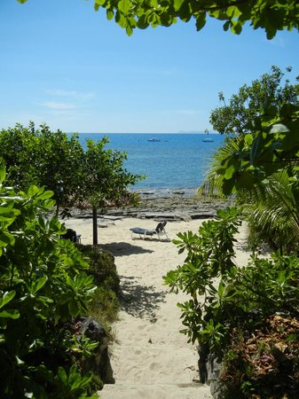 Navini Island Resort: Every bure has its own private slice of beach.