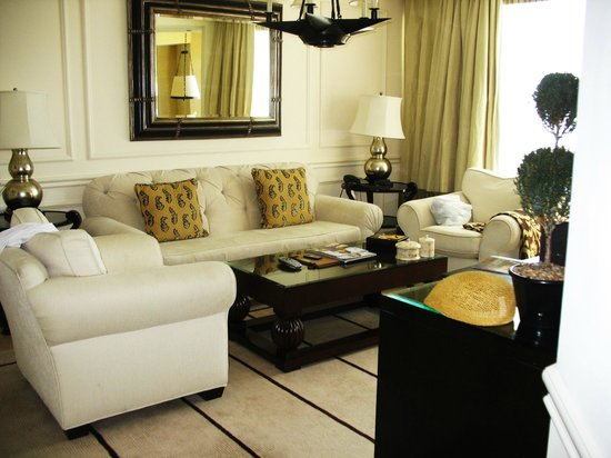 Acqualina Resort & Spa on the Beach : Living room