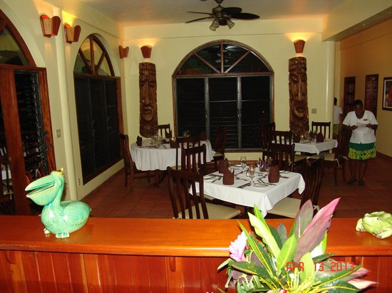 Hamanasi Adventure and Dive Resort : dining area