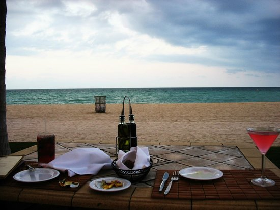 Acqualina Resort & Spa on the Beach: Dinner on the beach at La Costa