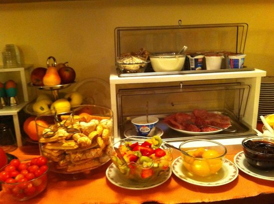 Hotel Miralago B&B and Apartments : breakfast