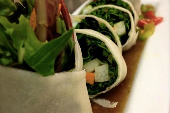 Green Basil: Thai Garden Roll - Appetizer