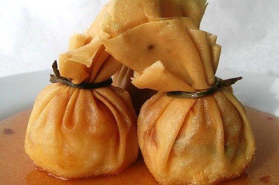 Green Basil: Seafood Rangoon - Appetizer