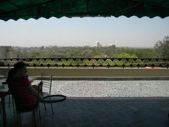 โรงแรมทัจ พลาซา: view from rooftop terace
