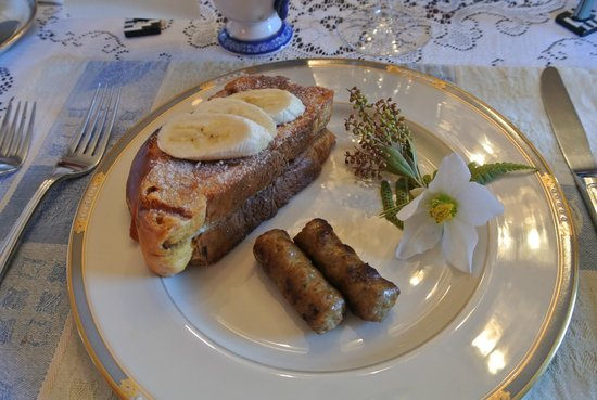 A Butler's Manor: Breakfast