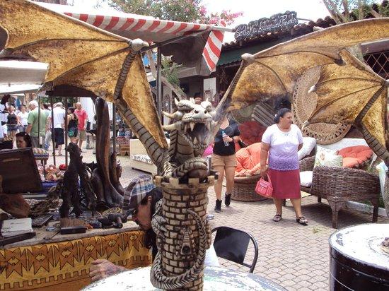 Embu das Artes, SP: artesanato- dragão