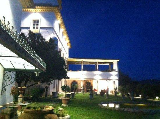 Villa dell'Annunziata: bella serata.