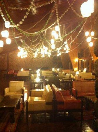 Ngorongoro Wildlife Lodge: pleasant decor inside - worthy of at least 3stara
