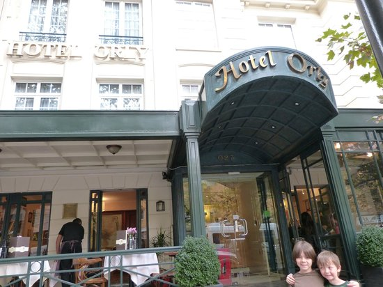 Hotel Orly: Front entrance