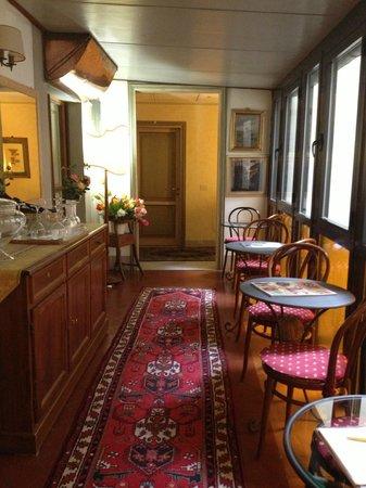 Burchianti: hotel's corridor