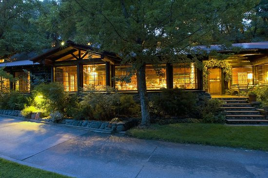 Orchard Canyon on Oak Creek: The Lodge