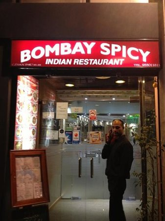 Bombay Spicy: outside sign