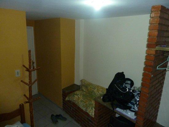Hotel Colonial: chambre sans décoration