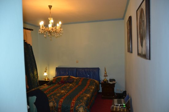 Hotel U Pava: A double bed