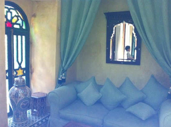 Riad Ravel: seating area (one of many)