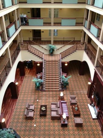 Country Inn & Suites By Carlson, Athens: Country Inn and Suites lobby