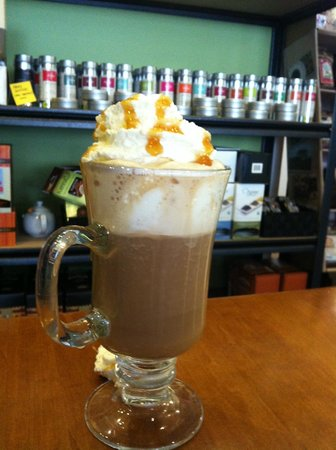 Green Elephant Cafe: Enjoy a Salted Caramel Latte