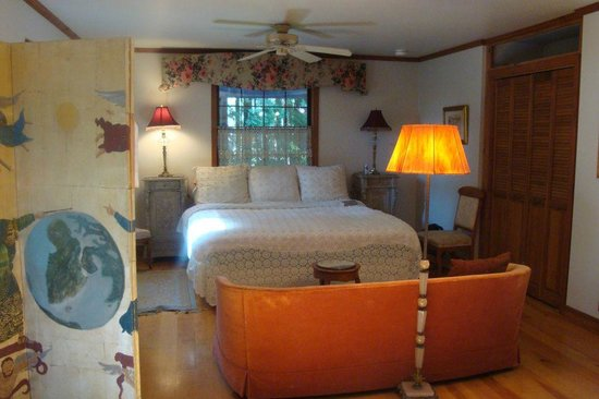 Redwood Croft: West room