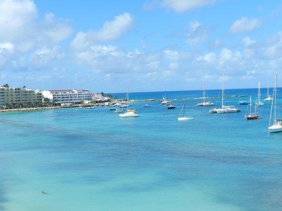 Royal Palm Beach Resort: View of the Bay