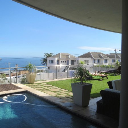 3 On Camps Bay Boutique Hotel: poolside view