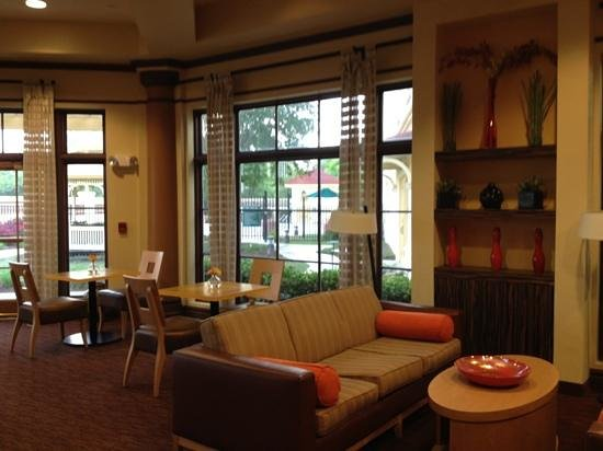La Quinta Inn & Suites Alexandria Airport: breakfast area