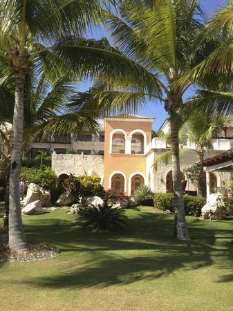 Sanctuary Cap Cana by Playa Hotels & Resorts: The main building