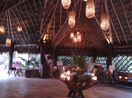 Mahekal Beach Resort: Main lobby