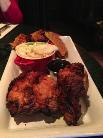 Toast : Chicken and waffles