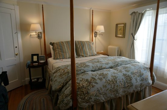 Garden Gables Inn : room 5