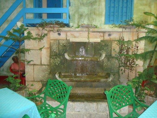 La Torre de Marfil: Fountain.