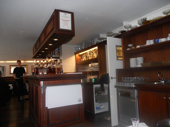 Told&Snaps : Bar and Schnapps Display