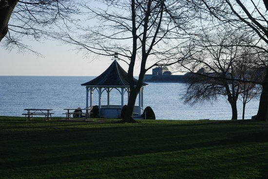 The Old Bank House: mouth of the Niagara River from the balcony